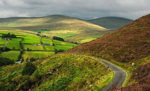 Barnes Gap, Ireland by younghappy