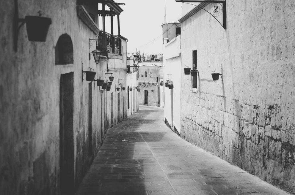 Barrio de San Lazaro, Arequipa, Peru by younghappy