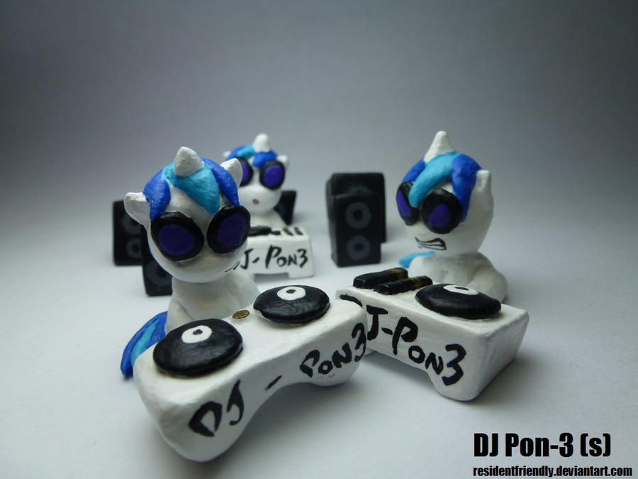 DJ Pon3 - Vinyl Scratch by Residentfriendly