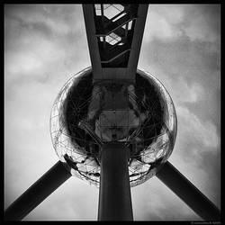 The Atom by SneachtaPix