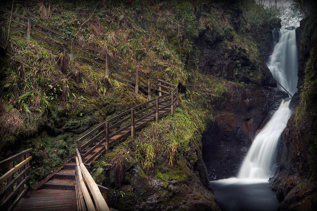 Glenairiff Falls by SneachtaPix