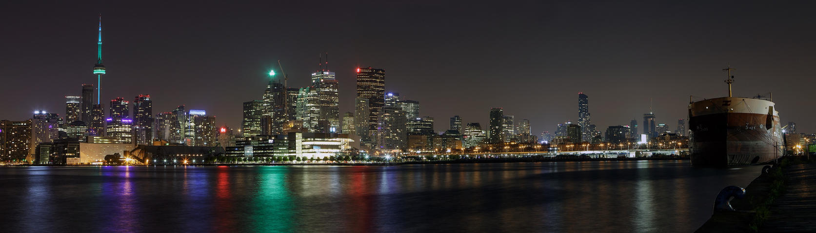 Toronto by SneachtaPix