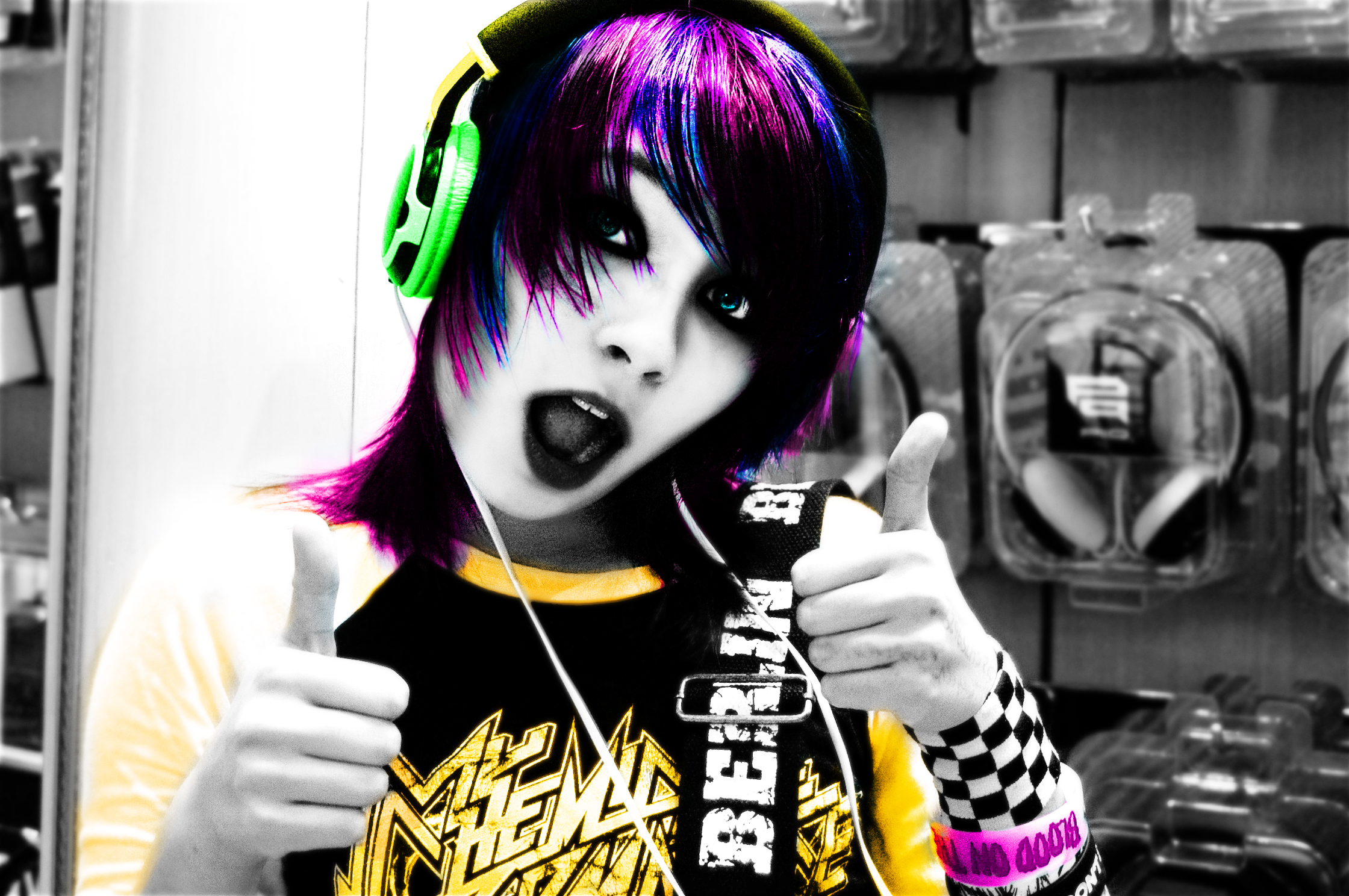 Headphones by OnTheEdgeXD