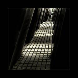 Human labyrinths ..