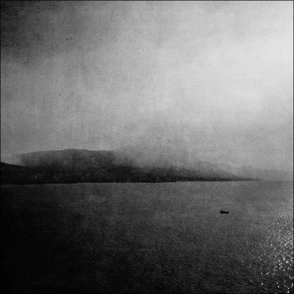 on the sea by tuminka