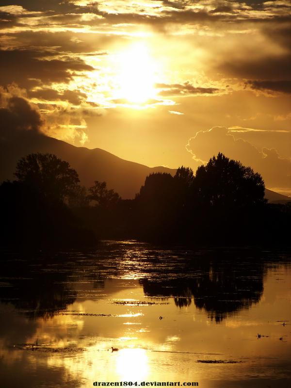 golden sky by Drazen1804