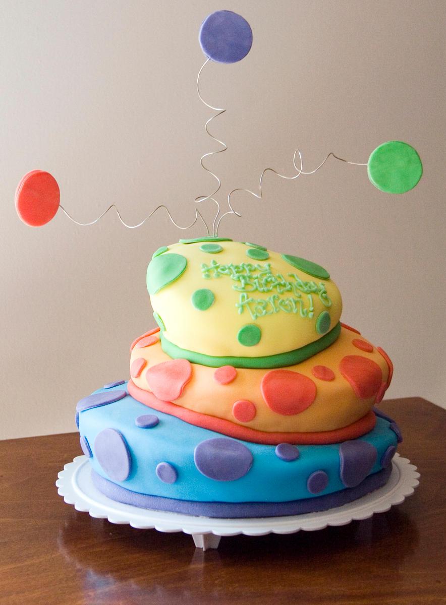 Topsy Turvy Cake by theshaggyturtle