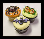 Halloween Cupcakes Part II by theshaggyturtle