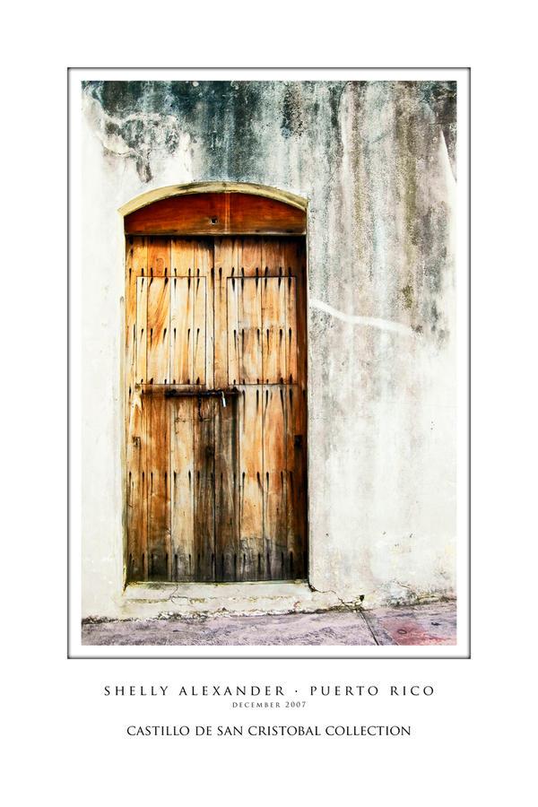 Door Castillo de San Cristobal by UrbanRural-Photo