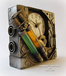 Steampunk Bicomponent Clock by Diarment