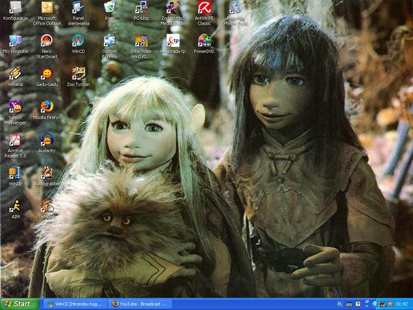 The Missing Thread - Page 8 Dark_Crystal_Desktop__3_by_suzie_chan