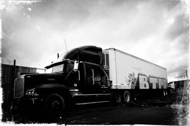 Semi-Truck Tagged by KJ1022