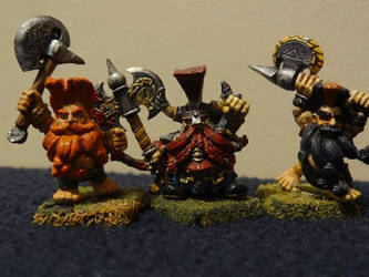 Slayer King Ungrim Ironfirst with two slayers by Unhodin