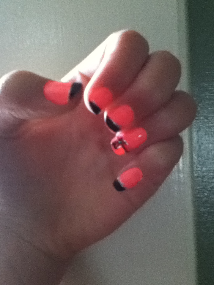 My new nail designfail bows :D by Kitten2222 on DeviantArt