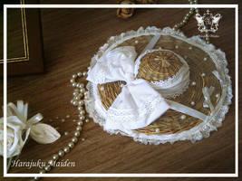 White Strawhat by Kumamana