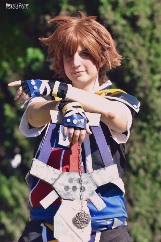 Sora from Kingdom hearts II cosplay by AsakuraYumiChan