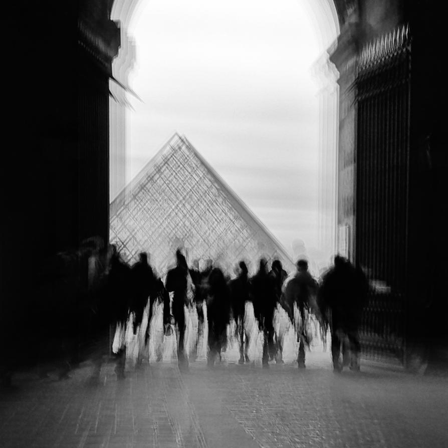 louvre pyramide by geissa
