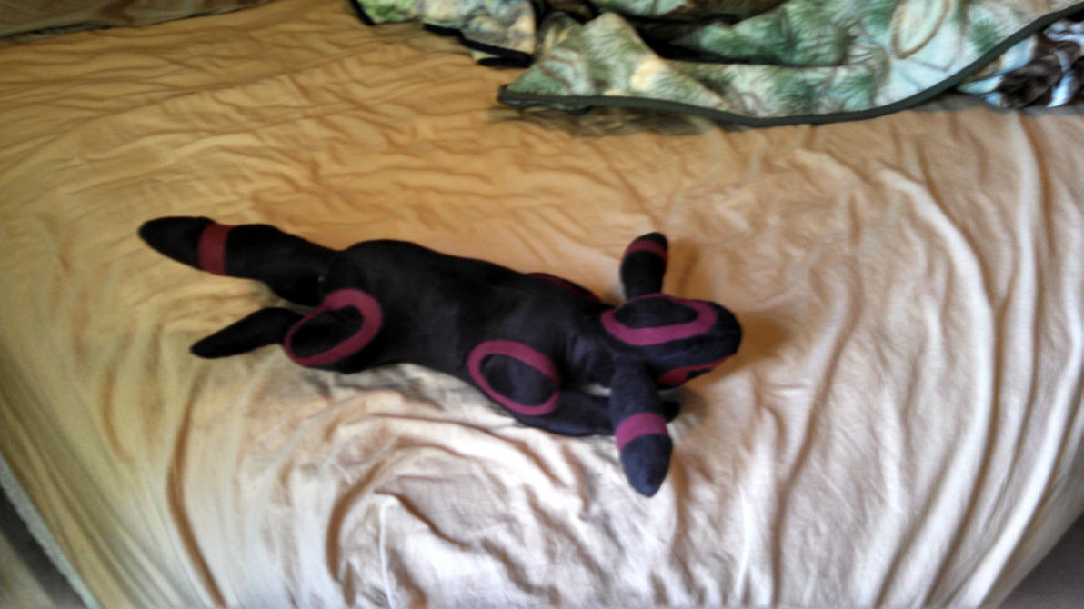 Plushie Attempt #2 Result - Umbreon by lokiie1984