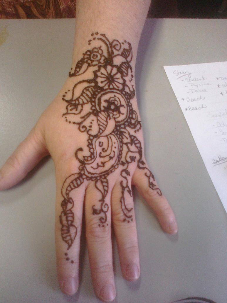 Mehndi Back Hand Flower : Henna flower hand makedes