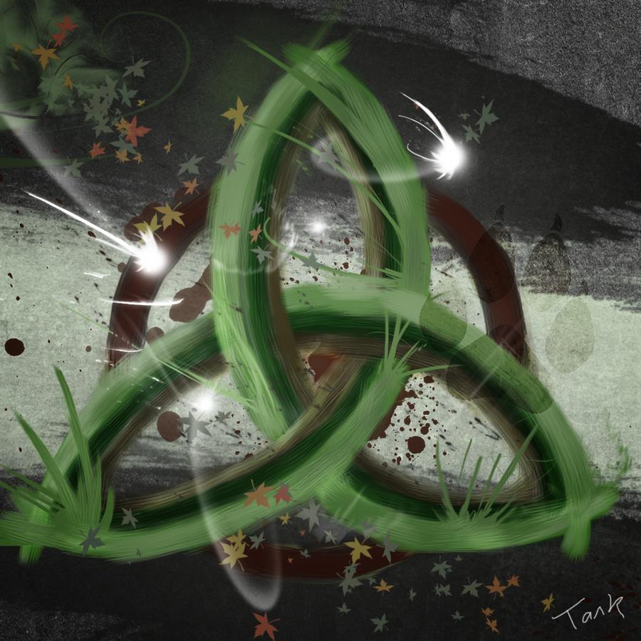 Natural Triskel by Tark91