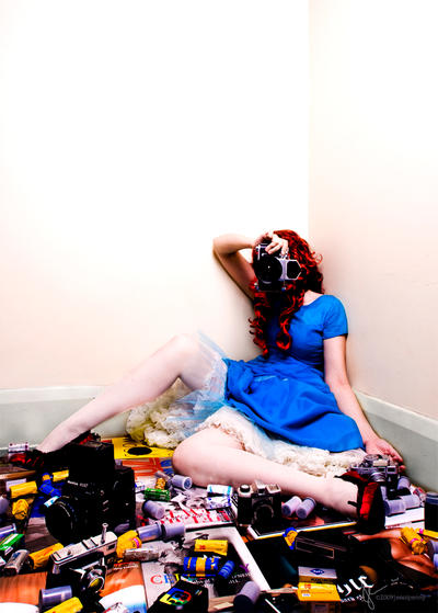 Girl with camera by jennipenny - Avatar Bulmaca