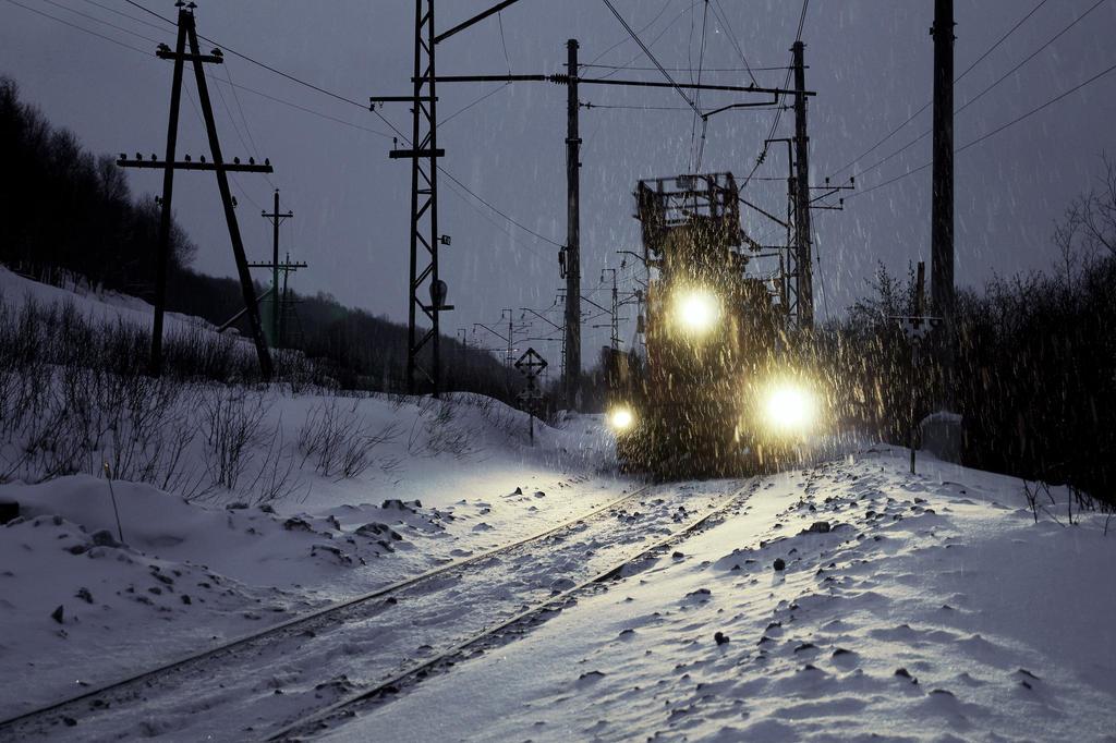 Snowpiercer by Treningravel