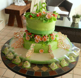 floral cake with minicakes
