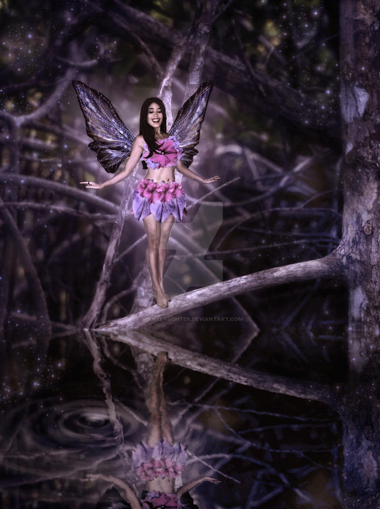 Faerie Reflection by shinylaughter