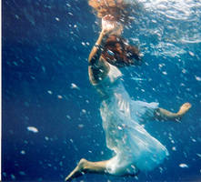 underwater waves V by jellymeljelly