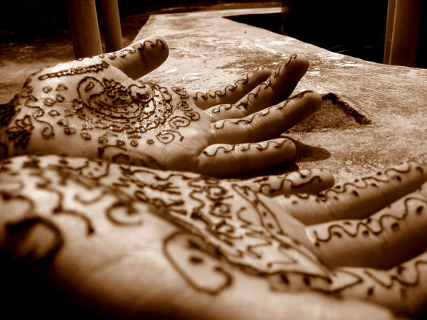 brown mehandi by anupamas - Beautiful mehndi desings