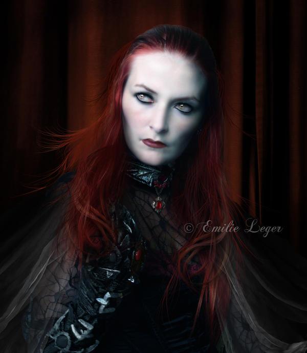 Comtesse Ecarlate by emilieleger