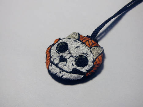 Cat skull embroidery necklace