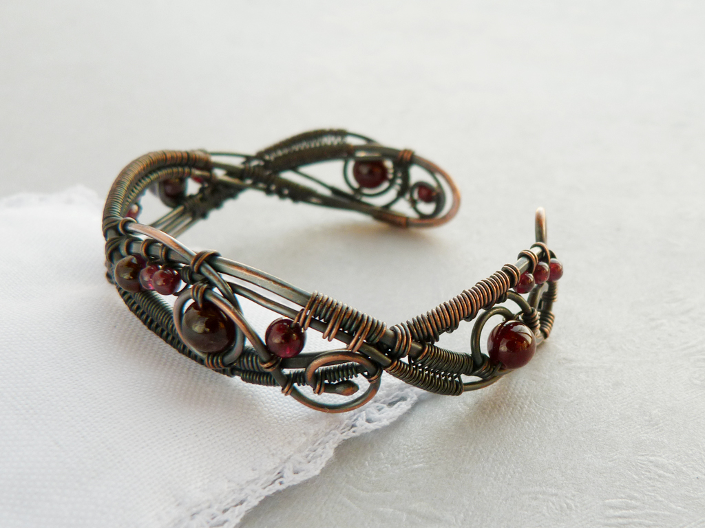 Garnet bracelet - Rowan by UrsulaOT