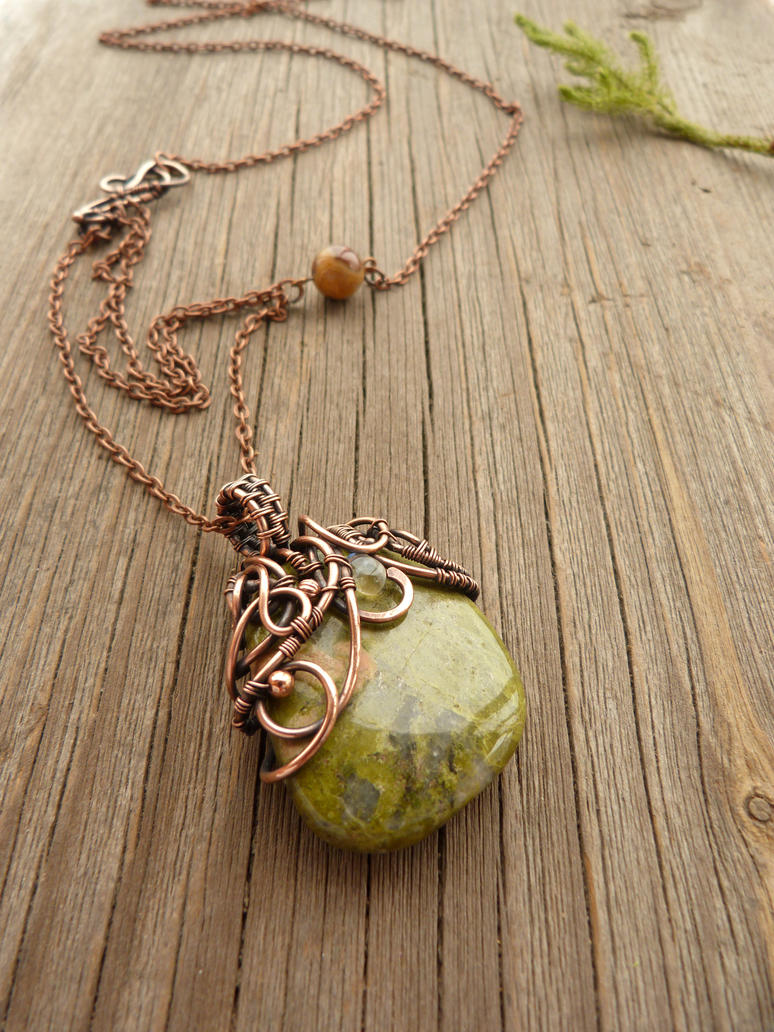 Moss - wire pendant by UrsulaOT