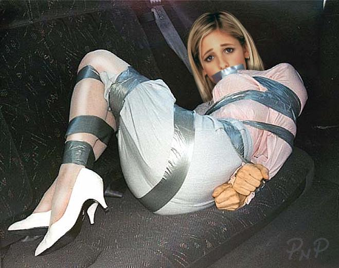 Upskirt out of car