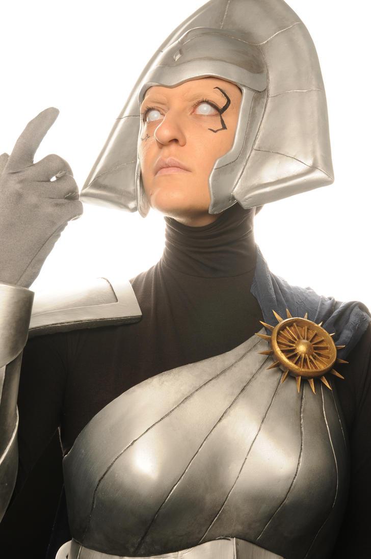 X-Men: Lilandra Neramani cosplay head shot by saindonienne