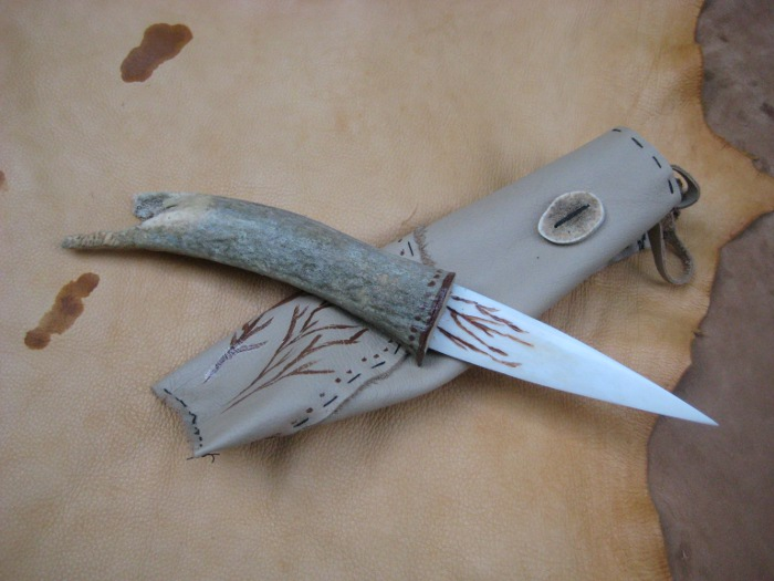 Painted Elk Knife by lupagreenwolf