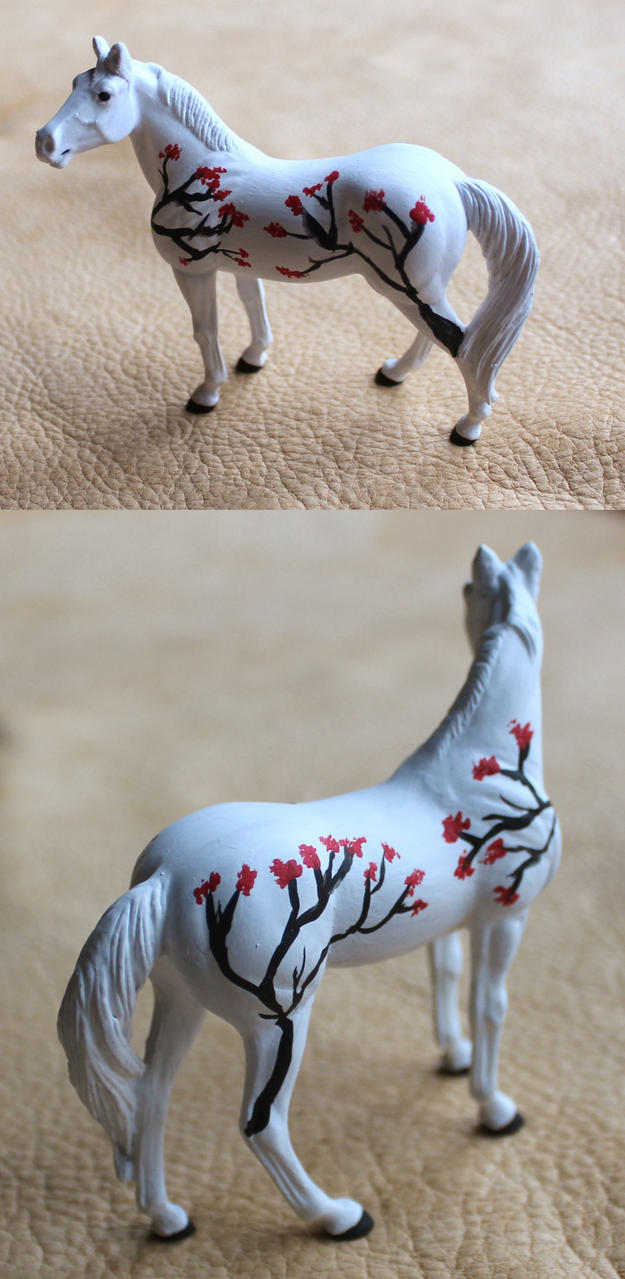 Breyer Stablemate Red Berries by lupagreenwolf
