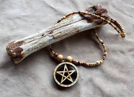 Wooden Pentacle Necklace by lupagreenwolf