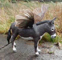Jenny Coturnix - Custom Breyer Donkey Pegasus! by lupagreenwolf