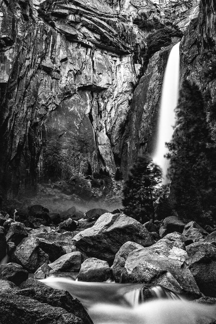 Lower Yosemite in BW by Gonzo13