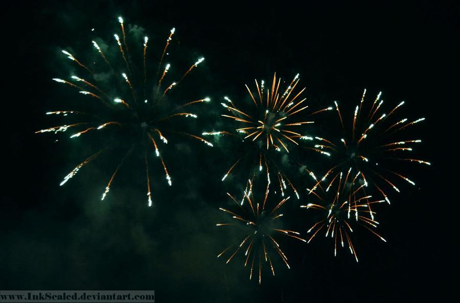 Fireworks Show - Wianki 2013 - shot 6 by InkScaled