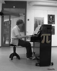 Piano player by JoonasD6