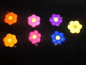Hello Kitty Flower Pendant