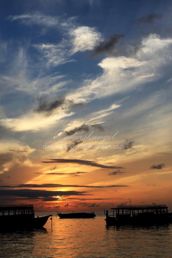 Sunrise by damaskangel