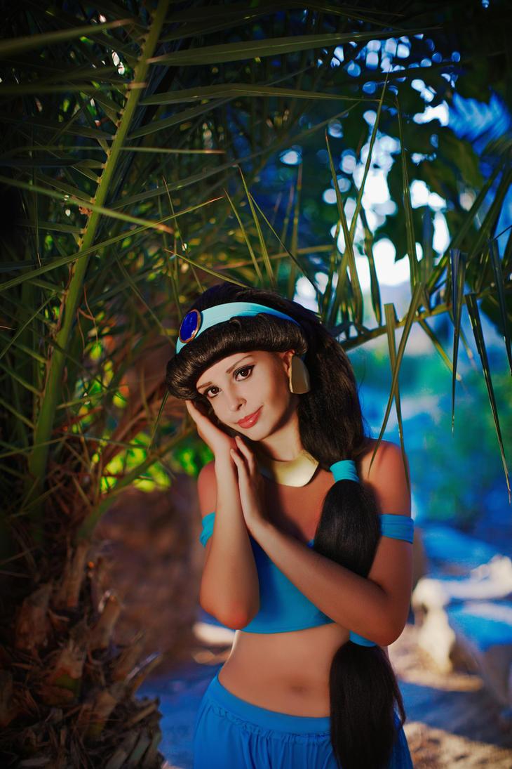 Jasmine by LucreciaBorja