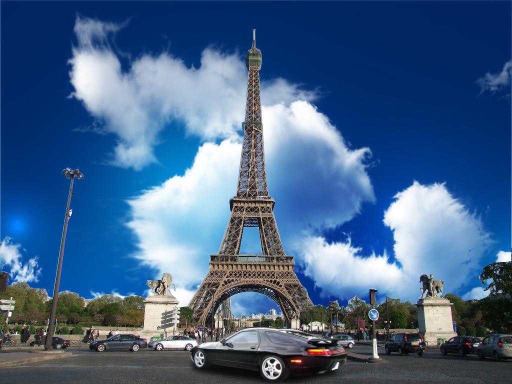 essay sample eiffel tower