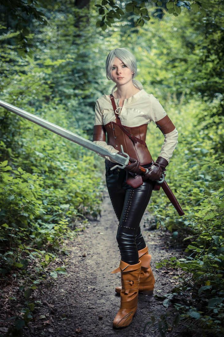 Witcher 3 Ciri Cosplay by LacrimaraCosplay on DeviantArt
