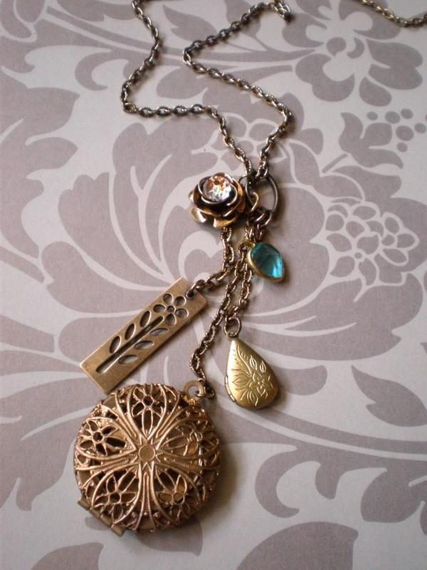 Necklace 28 by meganhor