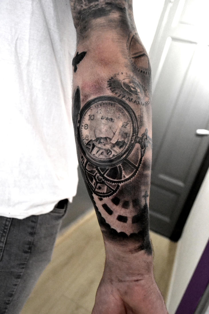 Montre cassee engrenage by blackcornertattoo on deviantart - Montre a gousset tattoo ...